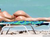 Nicole Coco Austin, Nicole Coco Austin hot, Nicole Coco Austin bikini, Nicole Coco Austin beach, celebrity, celebrità, vip, stars, bikini, beach, paparazzi, sexy, Nicole Coco, Coco Austin, lato B, spiaggia, tettone, vacanze vip, miami